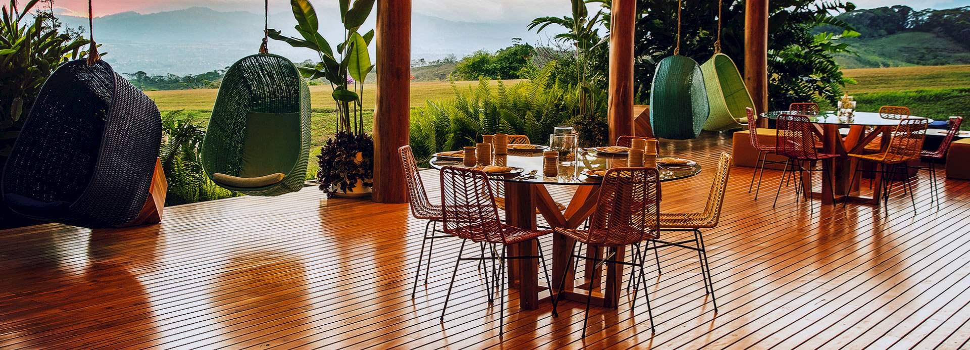 Outdoor Dining area at Kinkara, Santa Elena