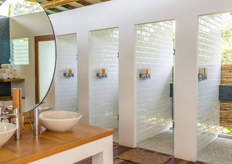 Bañeras de hidromasaje en Kinkara Luxury Retreat Santa Elena, San José
